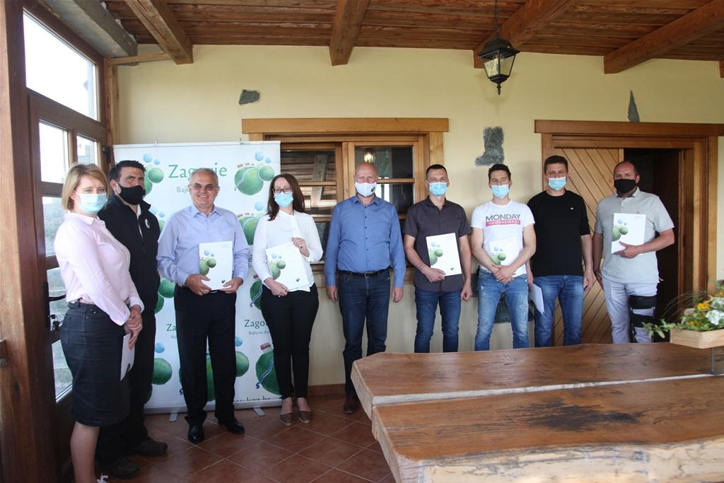 Županija osigurala 328 tisuća kuna za kupnju 67 junica: 'Ovo je poziv mladim obiteljima da se počnu baviti stočarstvom i ostanu živjeti na našim zelenim bregima'