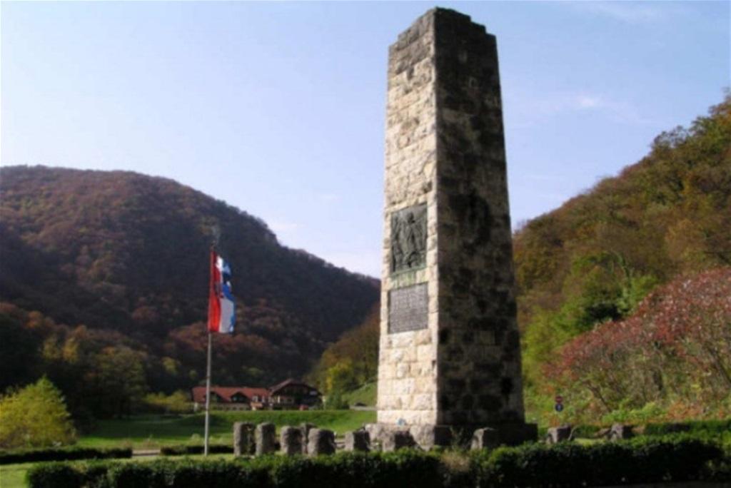 Sutra 80 Obljetnica Postavljanja Spomenika Hrvatskoj Himni